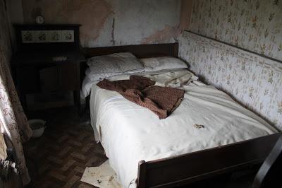 bedroomdespair